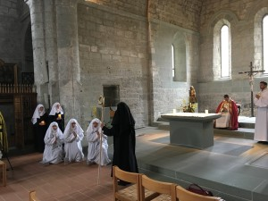 Project researchers Aurélie Blanc and Liv Robinson participate alongside our team of performers in the Barking Abbey Harrowing of Hell and Visit to the Tomb, Abbey of la Maigrauge, Fribourg.